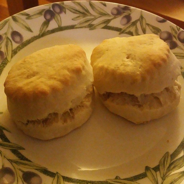 buttermilk-biscuits-6-15-image1
